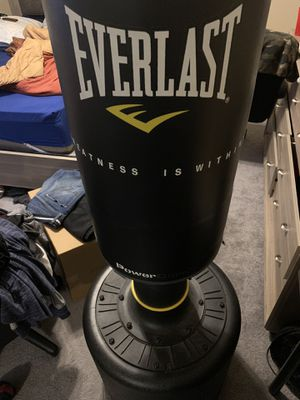 Everlast sand filled punching bag for Sale in Covina, CA