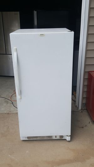 Kenmore upright frost free freezer Works great for Sale in Nashville, TN