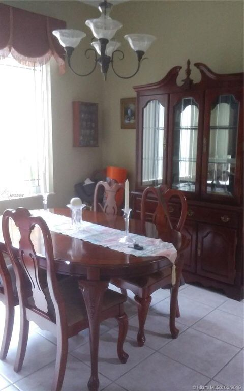 used dining room table for sale | Beautiful dining room set , 6 chairs table extendable and ...