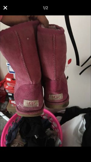 Pink Ugg's size 9 for Sale in Pittsburgh, PA