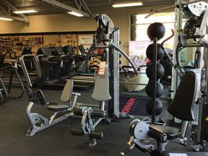 Floor model Hoist V1 Select home gym with leg press for Sale in Beverly Hills, CA