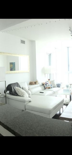 White bonded leather sectional for Sale in Miami, FL