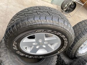 "17"" 4 wheels & tires 265/70R17 for Sale in Gilroy, CA"