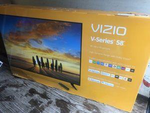 "58"" VIZIO V585-G1 4K UHD HDR LED SMART TV 2160P (FREE DELIVERY) for Sale in Tacoma, WA"