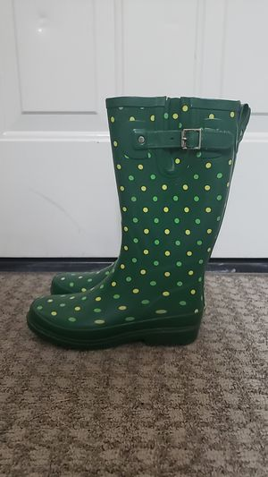 Rain boots Size 6 for Sale in Vancouver, WA