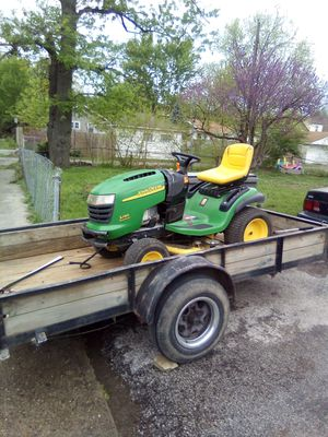 John Deer L 130 automatic 48 inch lawn tractor runs and cuts good needs a battery for Sale in Indianapolis, IN