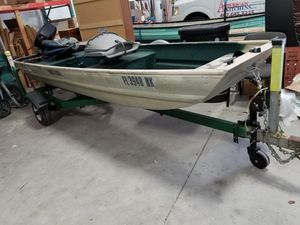 12' John boat with 6hp evinrude motor and trailer for Sale in Orlando, FL