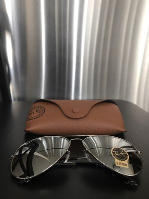 Authentic New Unisex RayBan Aviator Sunglasses for Sale in Chicago, IL
