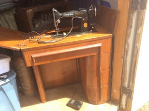 Antique sewing machine and cabinet Art Deco model 201 for Sale in Bonney Lake, WA