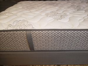 Queen Mattress box spring bed frame for Sale in Lynnwood, WA