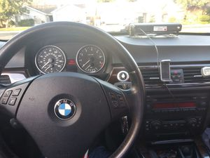 BMW very good condition s 133.000mill 325.i 2006 clean title v6 full loader rims and tires preloaded.asking 7,000 obd. for Sale in Fresno, CA