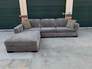Grey sectional *Delivery Available* for Sale in Norwalk, CA