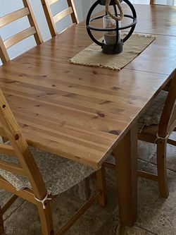 Dining Table changes Sizes for Sale in Chula Vista,  CA