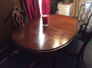 BEAUTIFUL DINING ROOM TABLE WITH 6 chairs for Sale in Homer City, PA