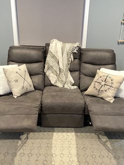 Reclining Couch for Sale in Castro Valley,  CA