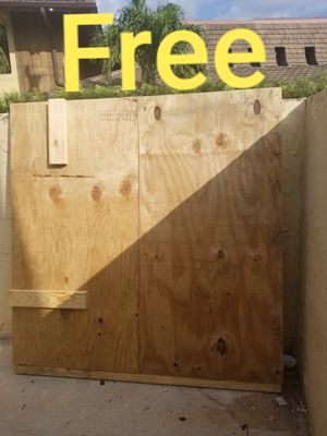 Free wood in Coral Springs for Sale in Parkland, FL