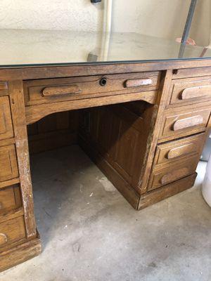 Antique desk for Sale in Lawton, OK