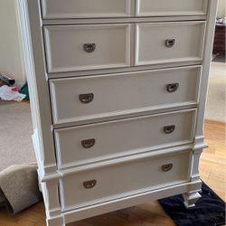 Tall White 5ft Dresser for Sale in Altadena,  CA