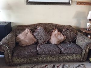 Sofa for Sale in Georgetown, KY