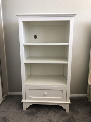 Crate & Barrel white bookcase for Sale in Alpine, CA