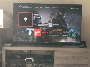 Xbox One with 2 controllers and 2 games for Sale in San Francisco, CA