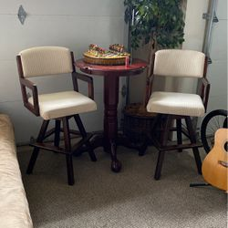 Wood Bar Table With 2 Chairs for Sale in Issaquah,  WA