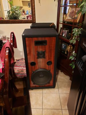 2 subwoofer speakers must go for Sale in Charlotte, NC