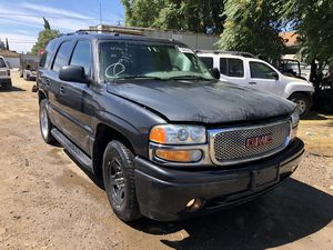 2003 GMC Yukon w/6.0L (running) engine for parts only for Sale in Modesto, CA
