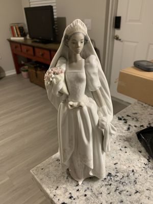 The Bride retired Lladro. Black porcelain figurine. for Sale in Riviera Beach, FL
