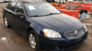 2005 Nissan Altima 2.5 200k miles runs and drives!!! for Sale in Marlow Heights, MD