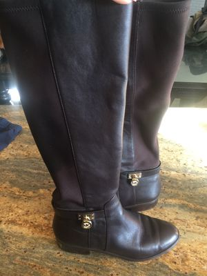 Michael Kors brown boots size 7 for Sale in Wasco, CA