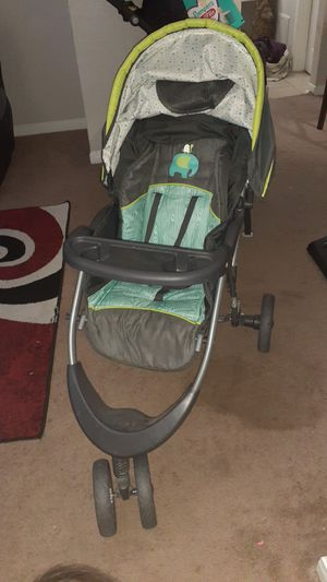 Stroller/Car Seat with Base (Babytrend) for Sale in Houston, TX