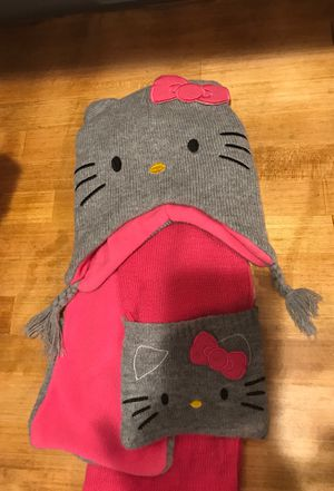Girls scarf and hat for Sale in Dallas, TX