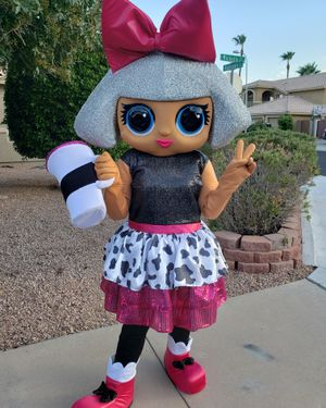LOL DOLL SURPRISE PARTY CHARACTER🎀 for Sale in Phoenix, AZ