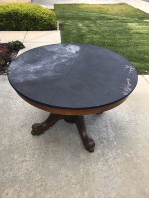 Free chalk board round table for Sale in Corona, CA