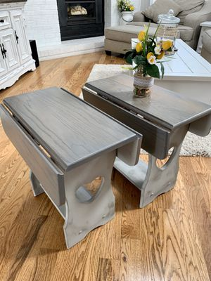 Pair of super shabby oak end tables or night stands for Sale in Littleton, CO