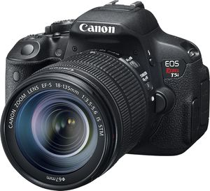 Canon eos t5i for Sale in Mission Viejo, CA