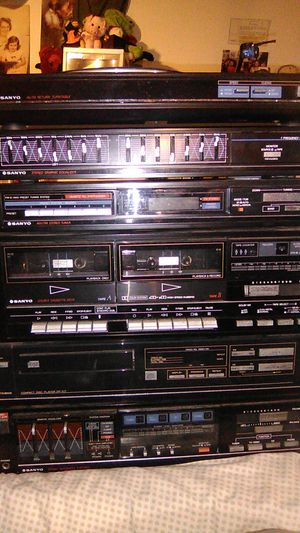 Sanyo, 6 piece, stereo system w\record player, CD, dual tapedecks, w\record for Sale in Columbus, OH