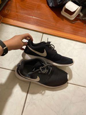 Women's Nike Roshe One size 7.5 for Sale in Garden Grove, CA