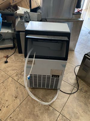Under counter ice machine for Sale in Phoenix, AZ
