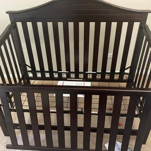Graco Harbor Lights 4-in-1 Convertible Crib- Expresso for Sale in Hoffman Estates, IL