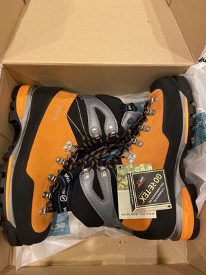 Scarpa Mont Blanc PRO GTX Boots *brand new* for Sale in Lakewood, WA