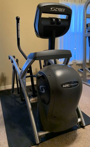Cybex commercial elliptical 525AT for Sale in Crowley, TX