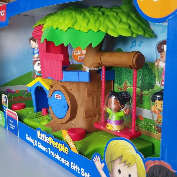 Fisher Price Little People Swing Share Treehouse Playset Gift Set