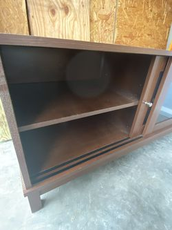 TV Table, Brown for Sale in Port Richey,  FL