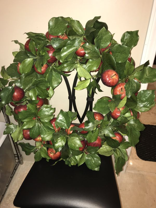 Large Apple Wreath Home Decor