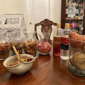 Decorative Vases Wit Potpouri for Sale in Zephyrhills, FL