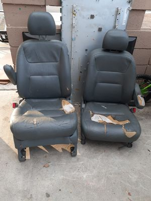 Honda Odyssey 2002 Front Seats for Sale in Colton, CA