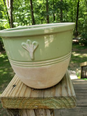 Small Ceramic Flower Pot for Sale in Stockbridge, GA