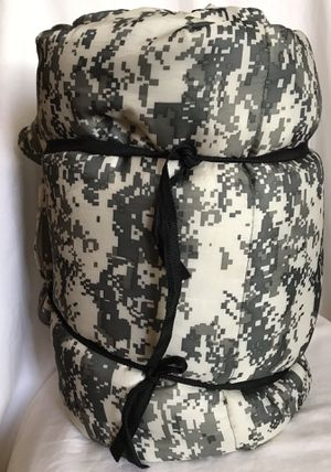 Kid's Camo sleeping bag for Sale in Marble Falls, TX